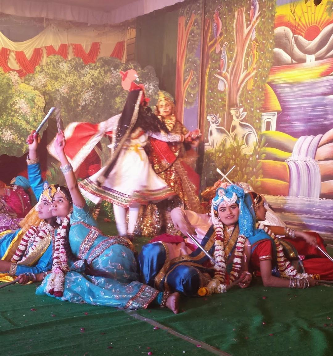 Rangili Holi Naatika 2014