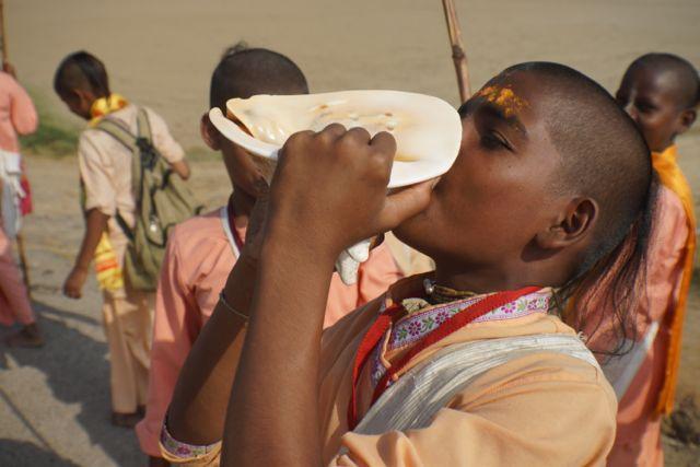 Rādhārāṇī Braja Yatra 2014: Nandagram Day 4
